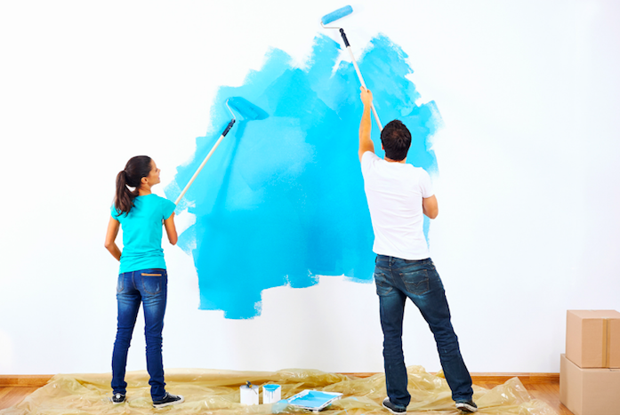 Couple painting doing DOI project after seeing psychologist in Ventura County