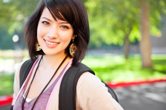 girl feeling confident after anxiety therapy with female therapist in Thousand Oaks, ca, 91320