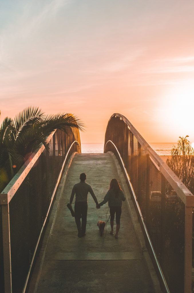 therapist in Simi Valley, Ca works with couples on building connection and intimacy