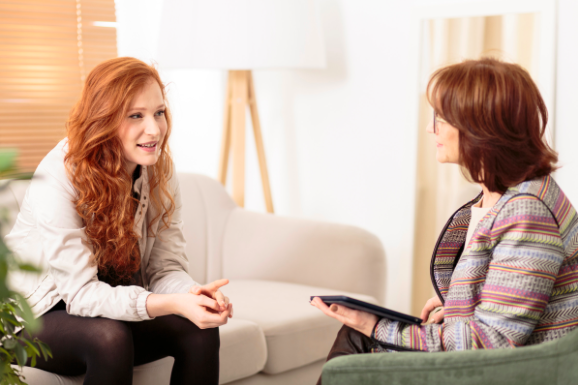 female therapist holding in person sessions for anxiety and depression near Thousand Oaks, ca, 91320
