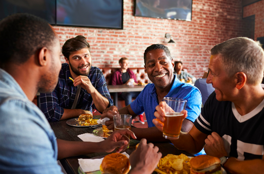 friends out to dinner feeling good after anxiety therapy in simi Valley, ca, 93063