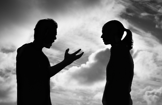 couple on the verge of breaking up and needing couples therapy with couples therapist for communication problems in simi Valley, ca, 93065