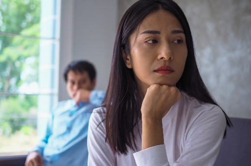 woman scared in abusive and toxic relationship needing anxiety therapist for trauma therapy in Simi Valley, ca, 93065